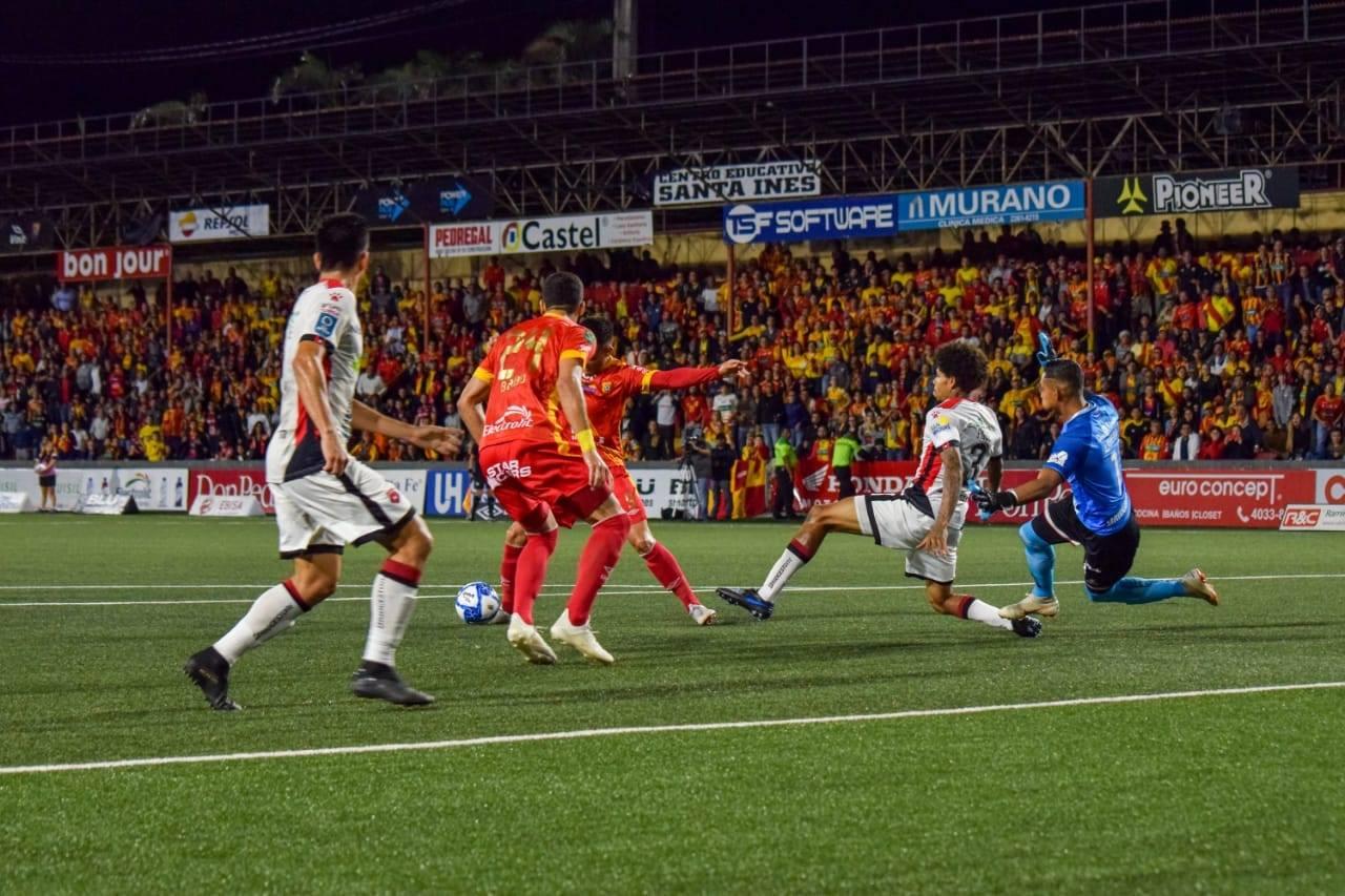 Herediano acaricia la gran final tras anular y derrotar a Alajuelense en el Rosabal.