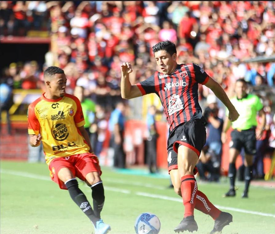 Alajuelense puso a la venta las entradas para la gran final. En una hora agotó los sectores numerados.