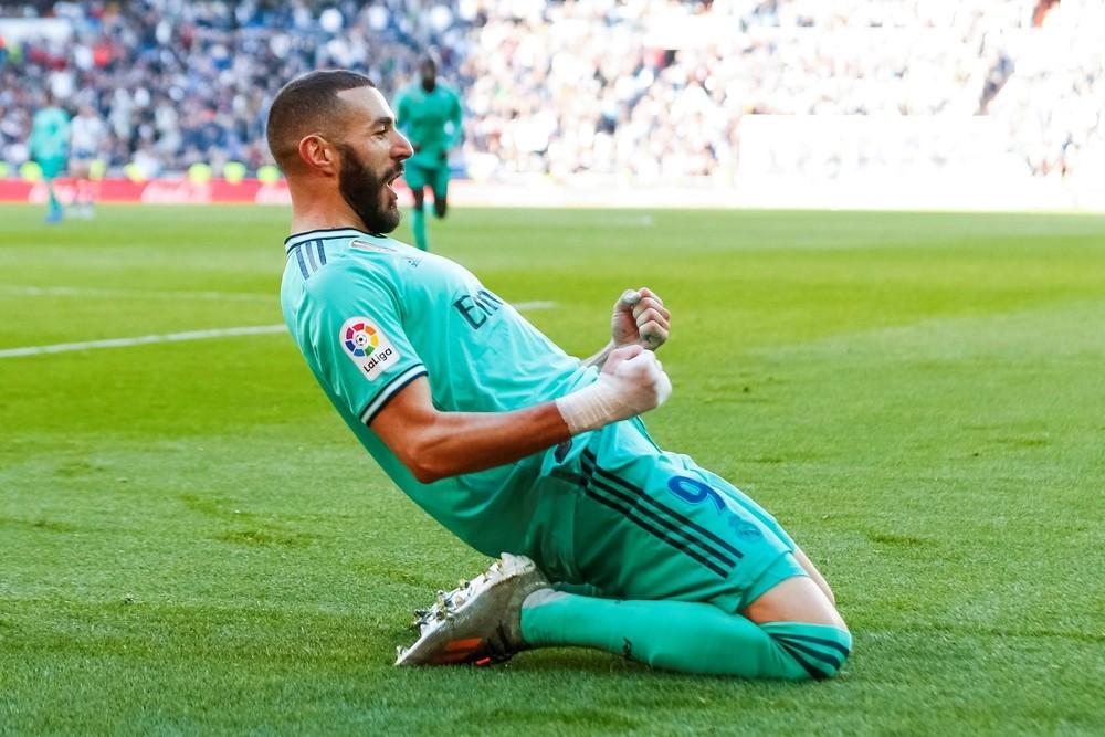 Con goles de Varane y Benzema el Real Madrid derrotó al Espanyol.