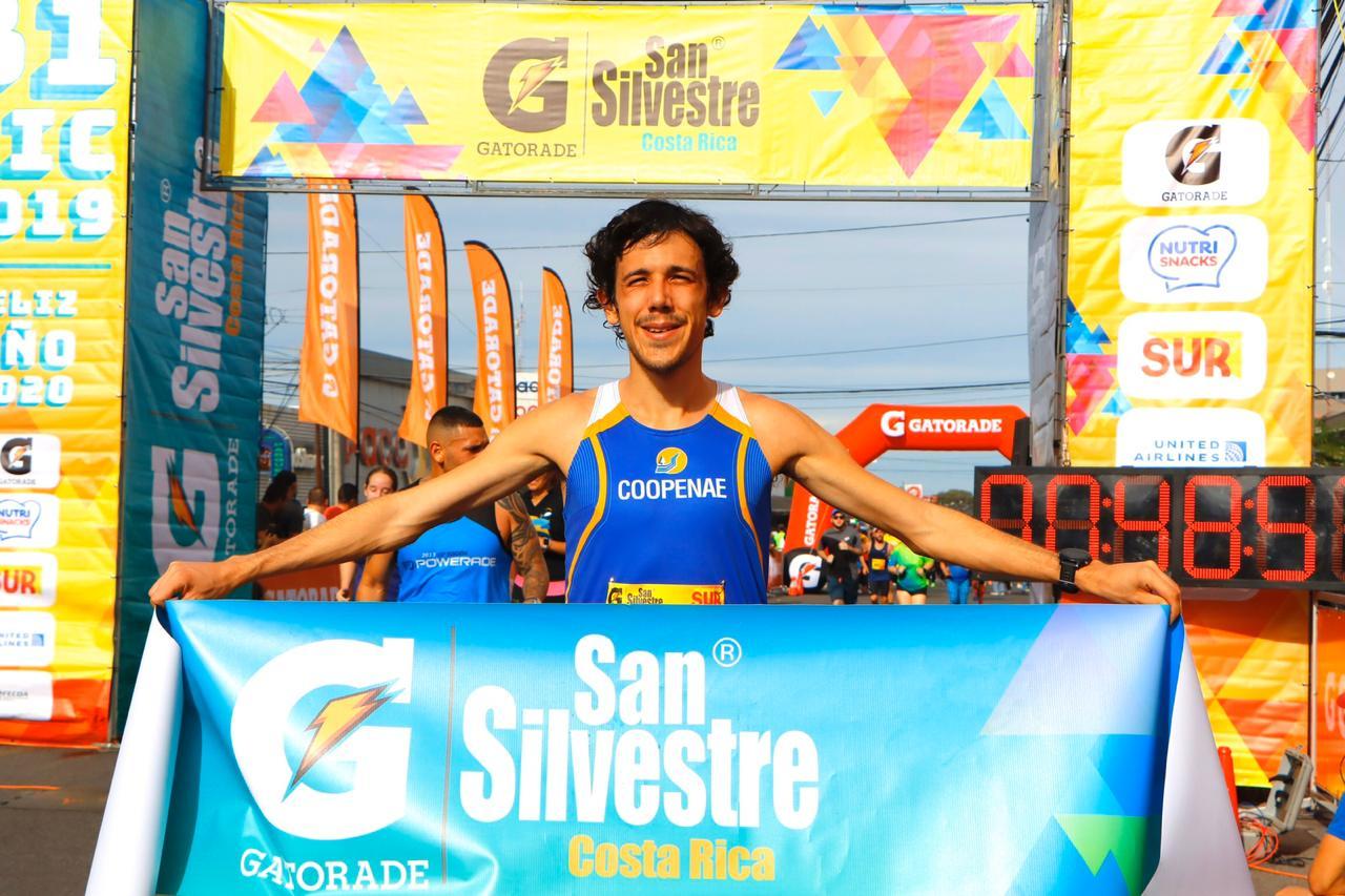 Daniel Johanning gana la Clásica San Silvestre por tercer año consecutivo.