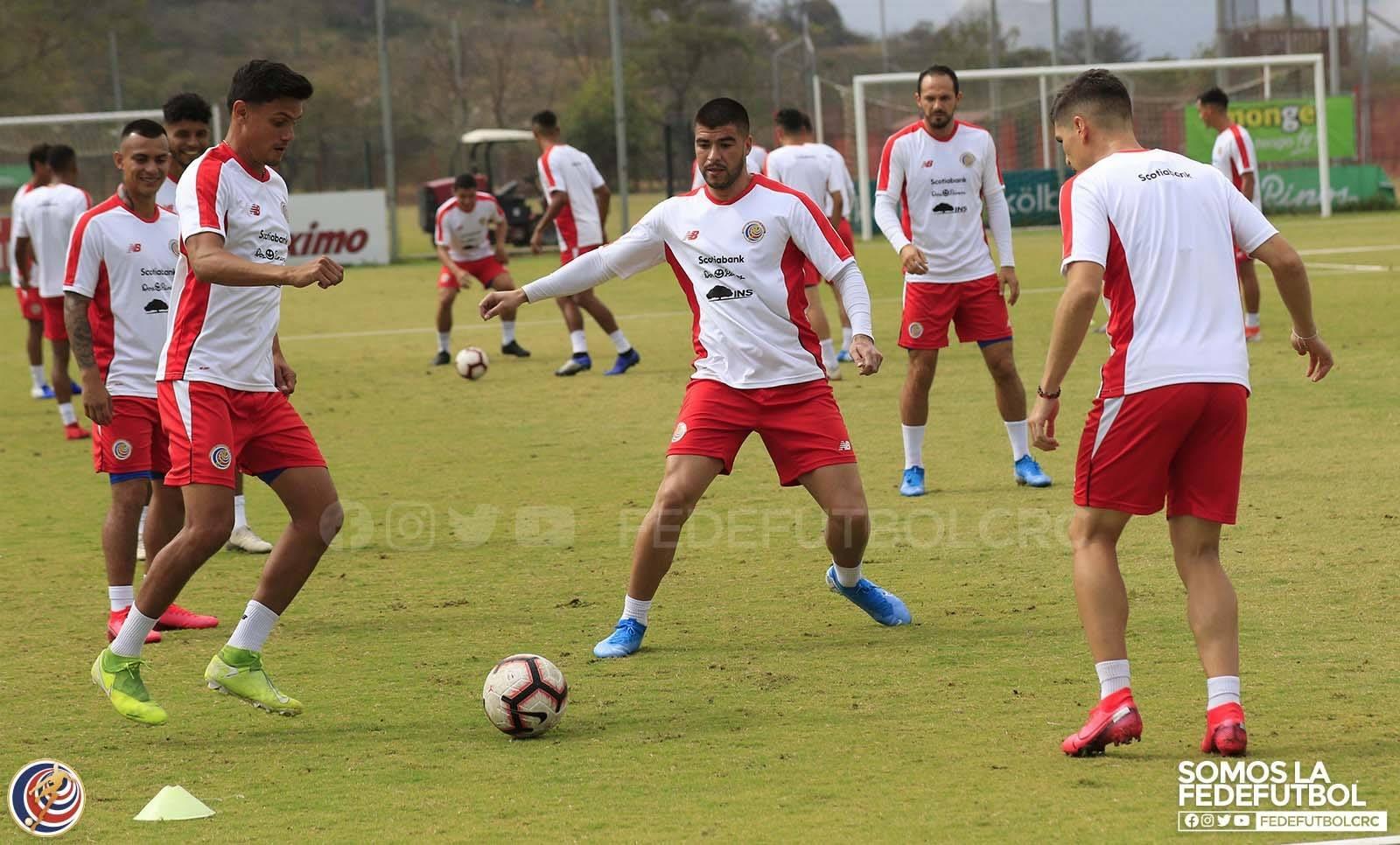 Selección de Costa Rica viajó este jueves a Estados Unidos para el amistoso del sábado.