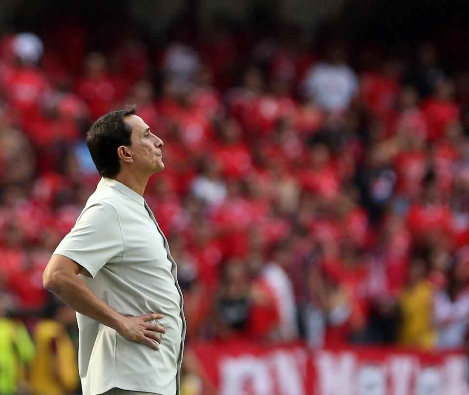 """Alexandre Guimaraes: """"Todos estamos aquí al pie del cañón""""."""