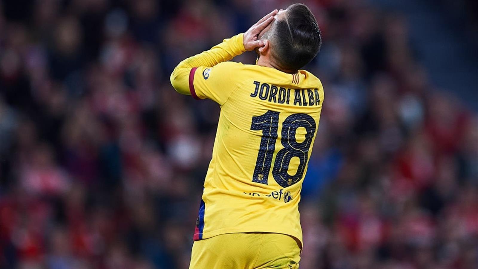 """Jordi Alba: """"Ya nos tiran bastante mierda desde fuera para que tengamos que tirarnos entre nosotros""""."""