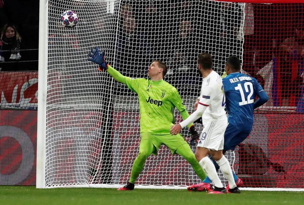 Lyon sorprendió y derrotó a la Juventus.