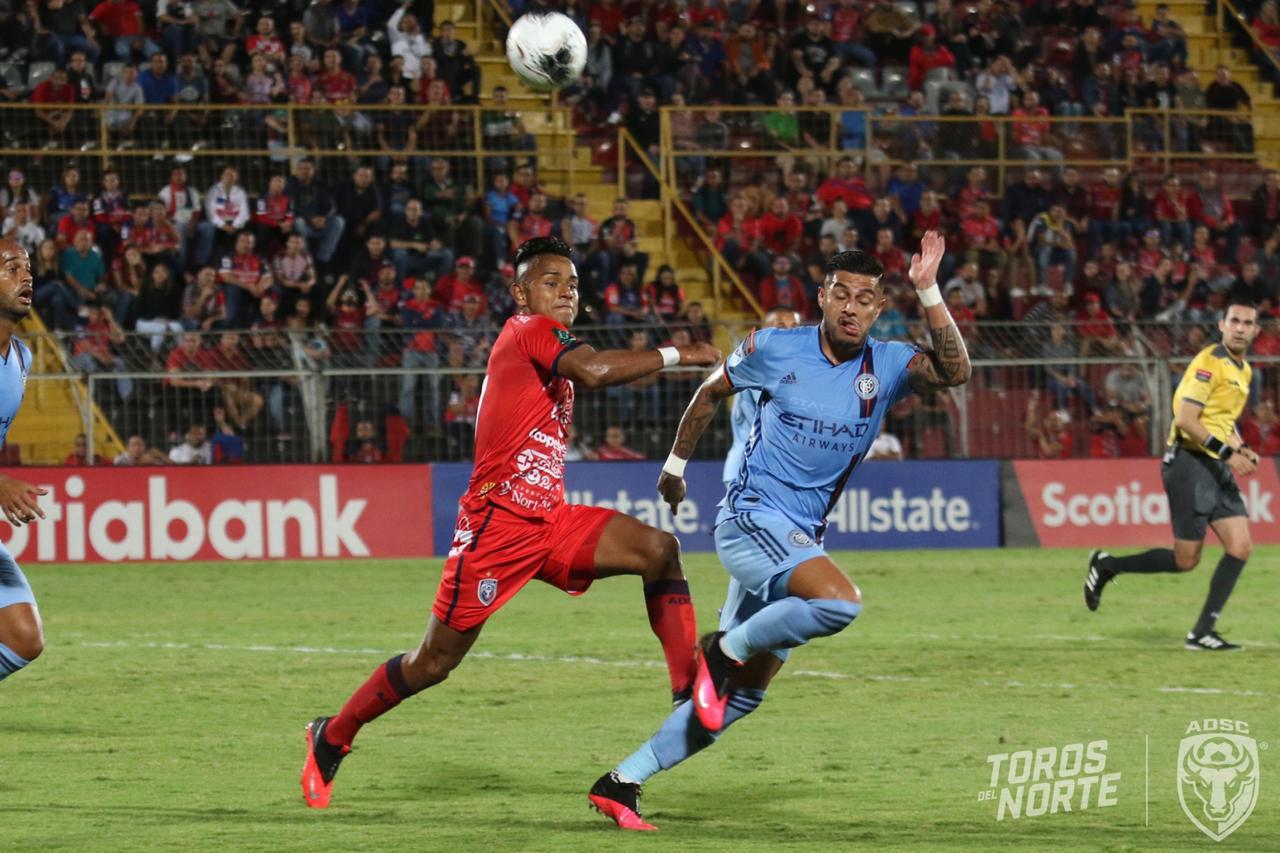 San Carlos pagó caro sus errores y tuvo un triste debut en Concachampions.