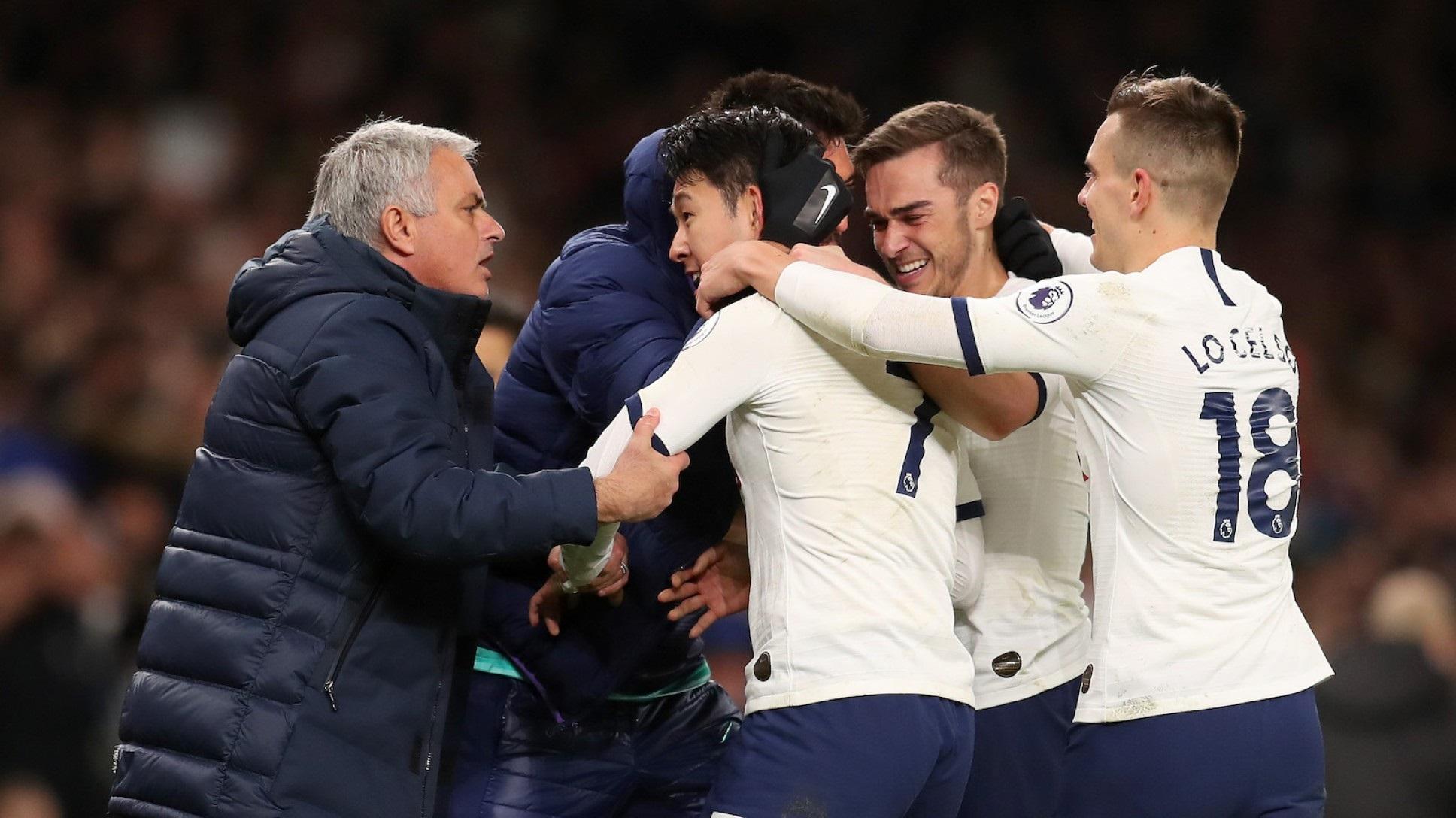 Mourinho le gana la partida Guardiola y aleja al Manchester City a 22 puntos del Liverpool.