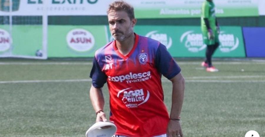 San Carlos incorporó al uruguayo Victor Abelenda como asistente de Luis Marín.