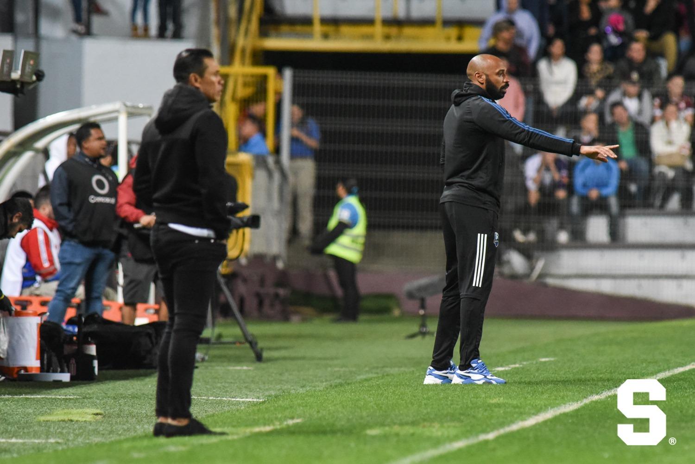 """Walter Centeno: """"No puedo reprocharle nada a mis jugadores porque trataron de hacer todo lo posible en ataque""""."""