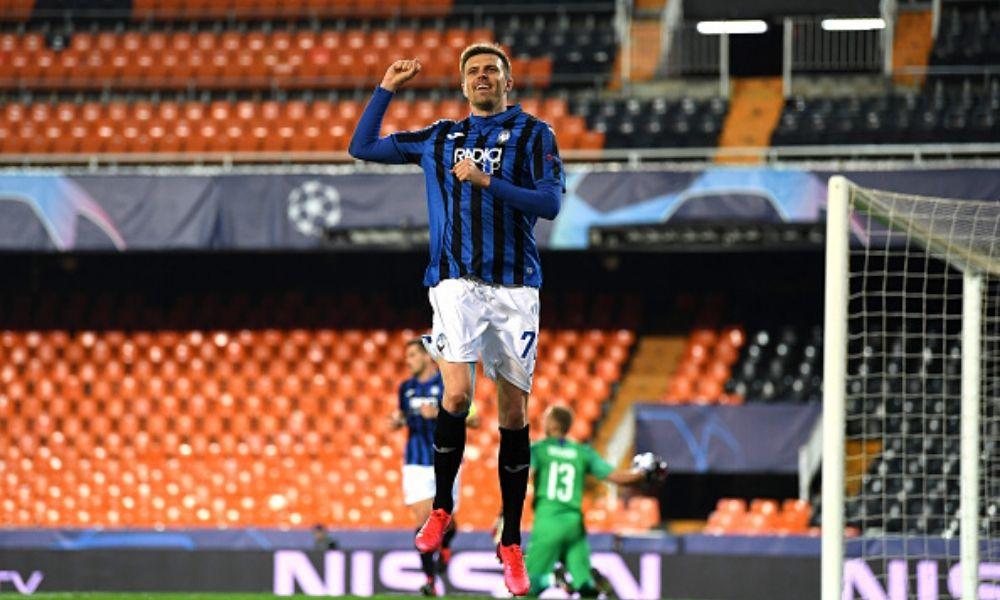 Atalanta clasificó por primera vez en su historia a cuartos de final de la Champions.