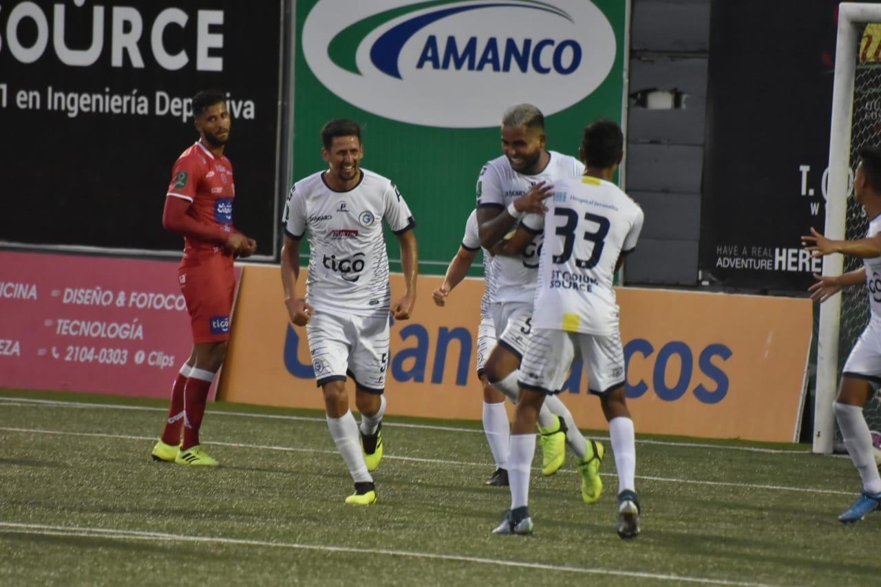 Guadalupe le remontó al Santos en festival de goles y se mete en zona de clasificación.