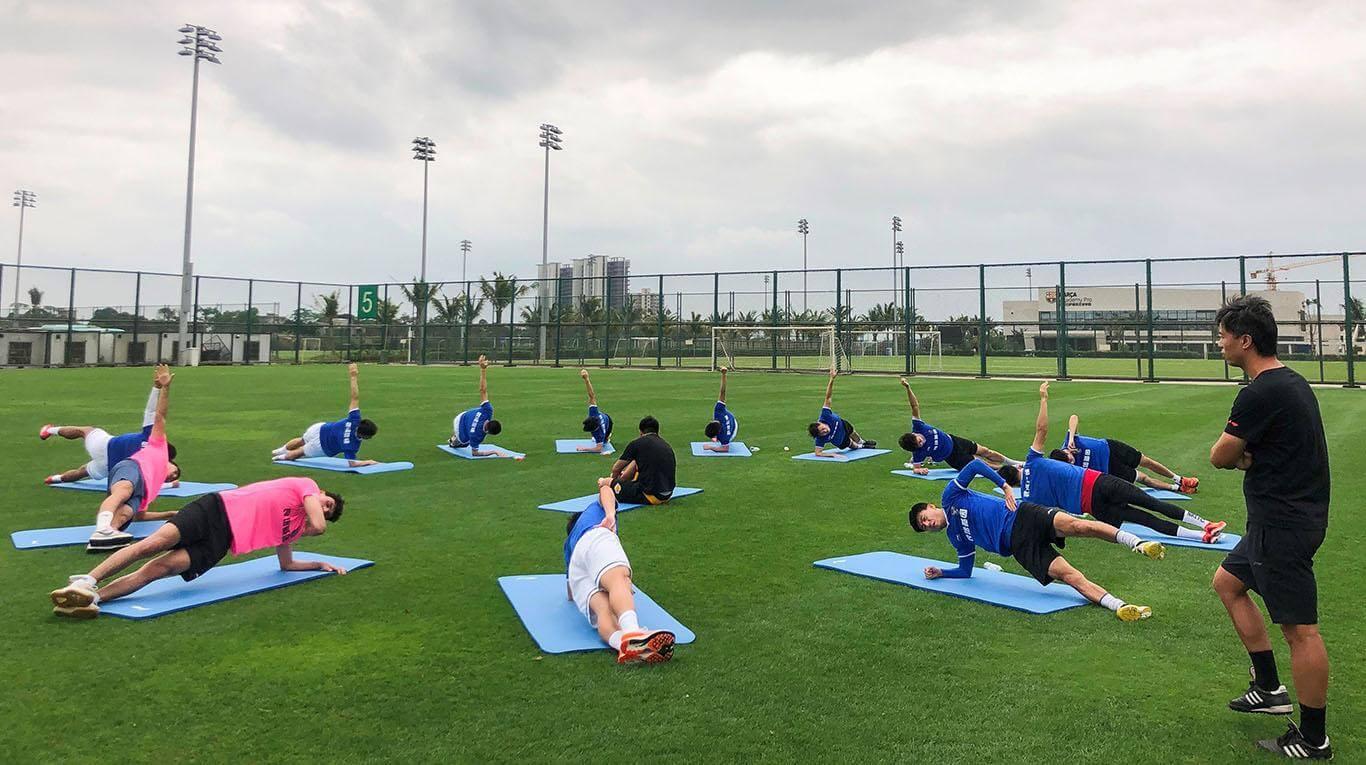 El equipo de fútbol de Wuhan vuelve poco a poco a los entrenamientos.