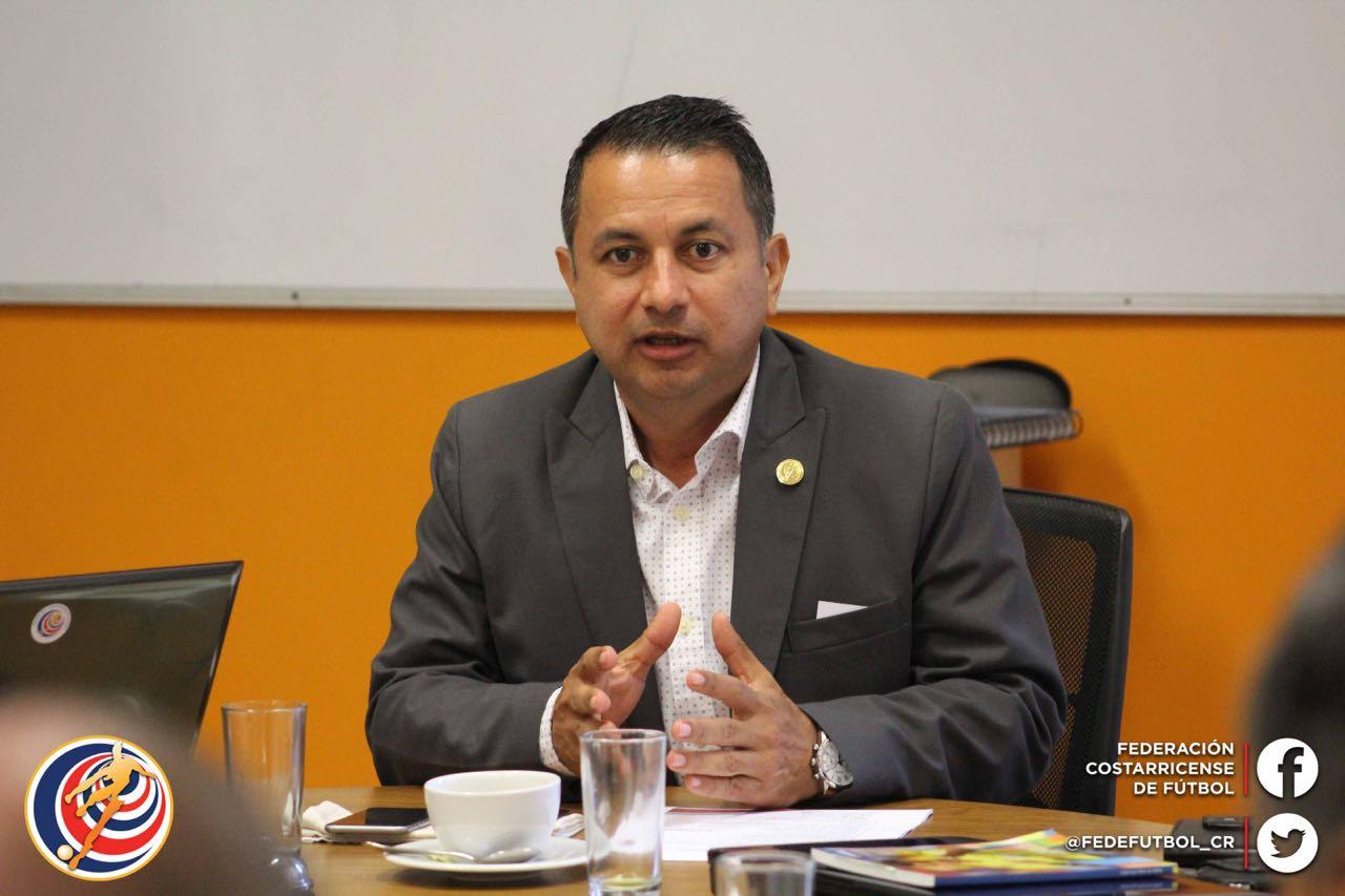 Rodolfo Villalobos asegura que es prematuro determinar cuál será el desenlace de los campeonatos.