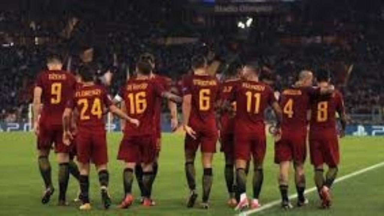 Técnico y jugadores de la Roma renunciaron a 4 meses de salario.
