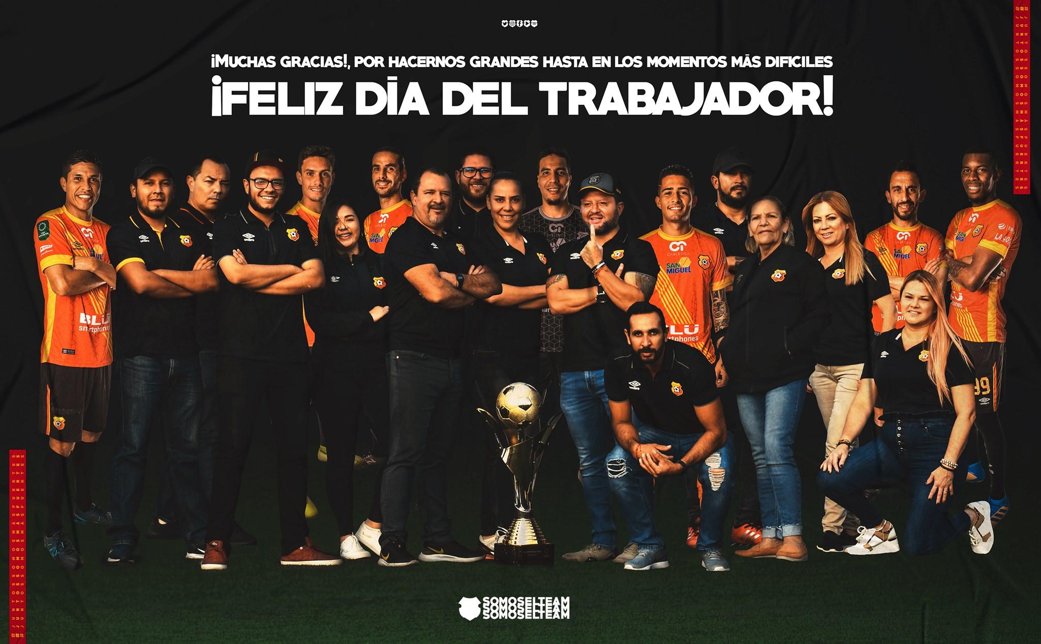 Jugadoras del equipo femenino del Herediano le reclamaron al club por excluirlas en afiche.