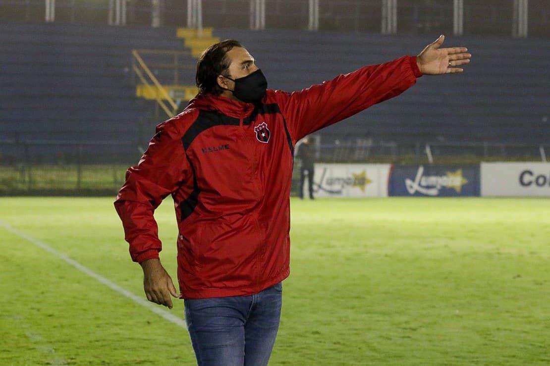 """Andrés Carevic: """"Lo más importante de todo es el compromiso y la responsabilidad que tuvieron los jugadores""""."""