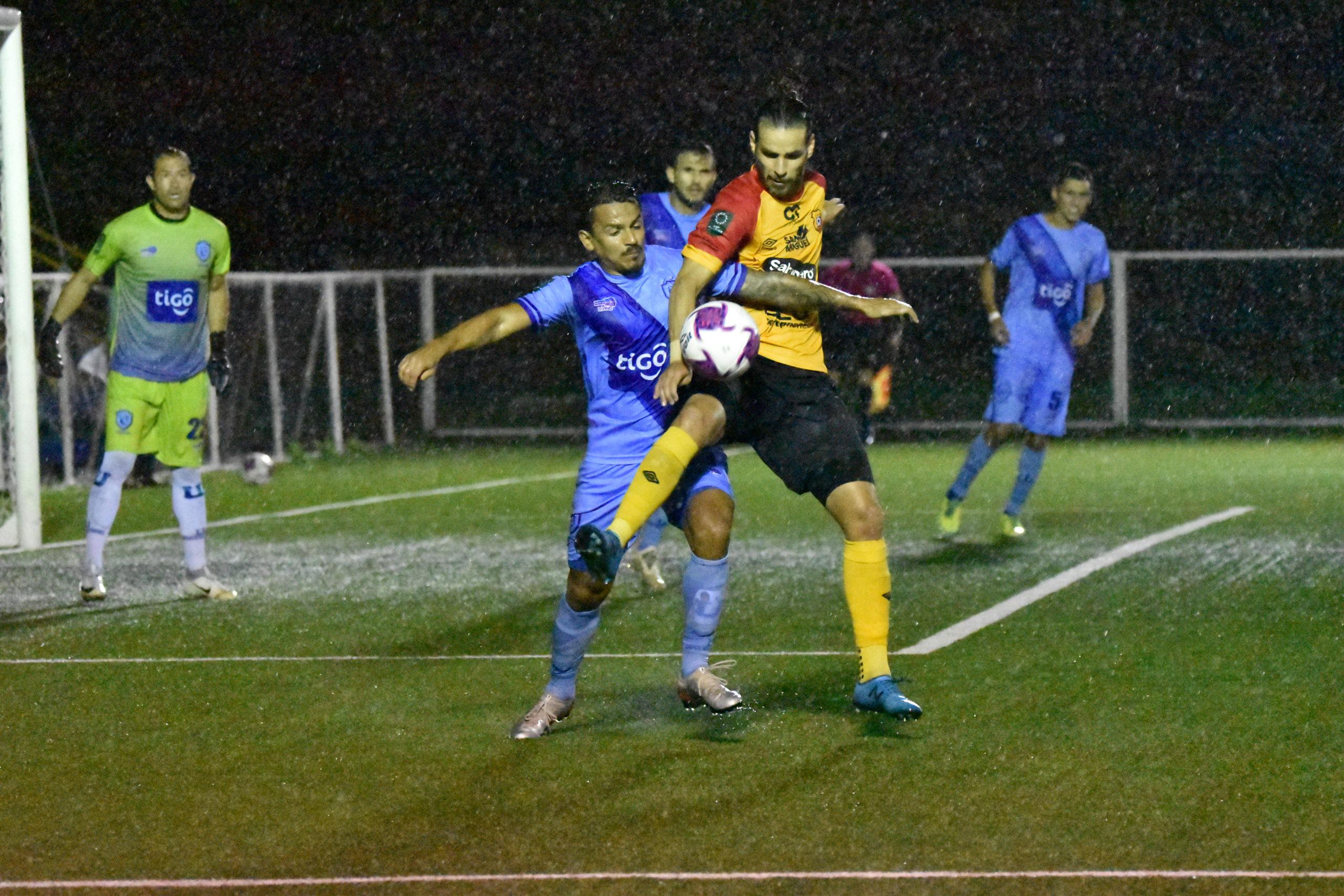 Herediano derrota al casi descendido Universitarios y deja atrás racha negativa sin victorias.