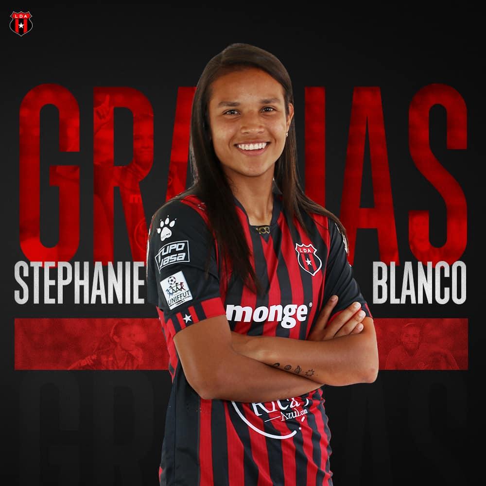 La defensa de Liga Deportiva Alajuelense, Stephanie Blanco, fue fichada por el Deportivo La Coruña.