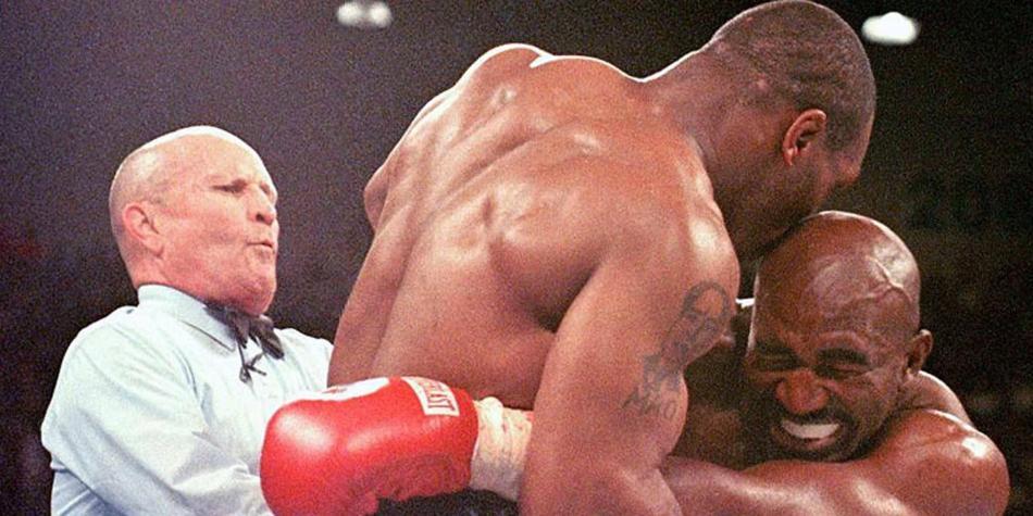 Tyson revela por qué mordió en la oreja a Holyfield.