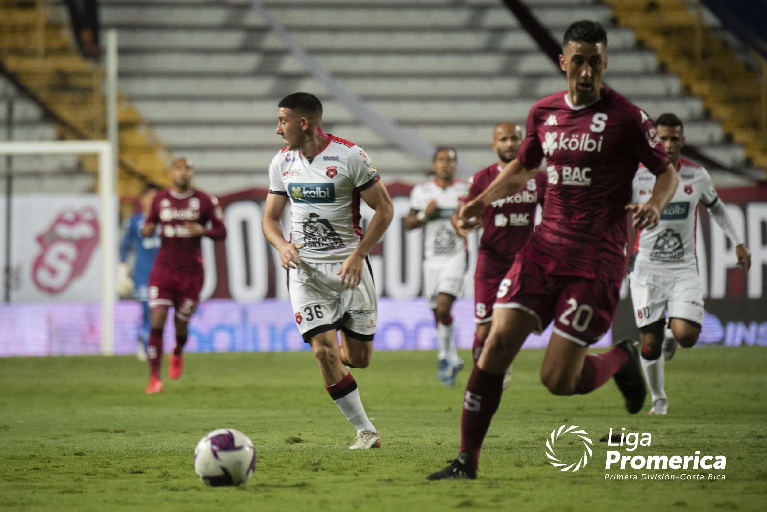 Fedefútbol, jugadores y clubes de Primera logran acuerdo salarial para el próximo torneo.