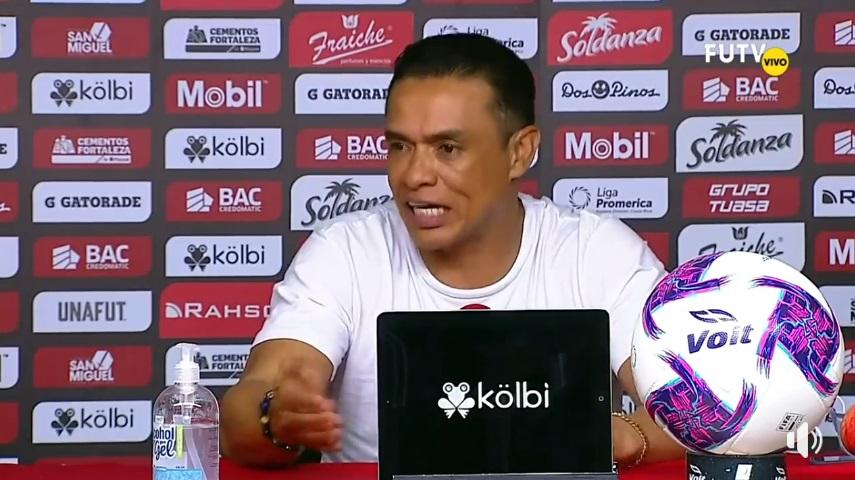 "Walter Centeno: ""Contento del esfuerzo, pero faltan 90 minutos""."