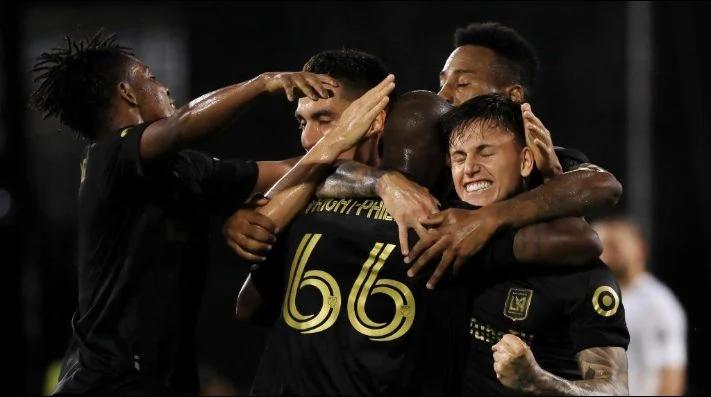 """Los Angeles FC se quedó con el """"Clásico del Tráfico"""" tras aplastar a Los Angeles Galaxy."""