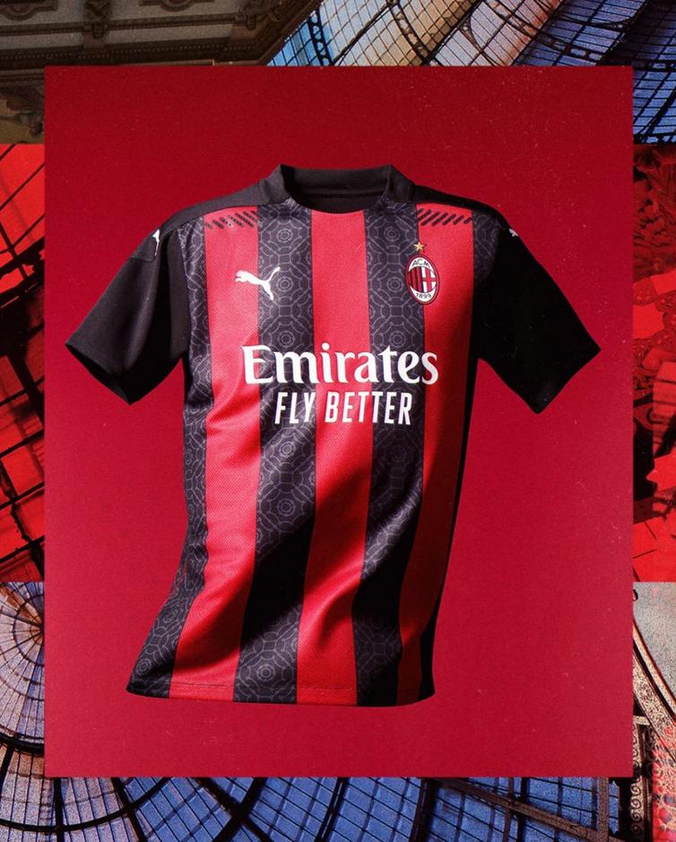Milan presentó su indumentaria oficial para la temporada 2020-2021.