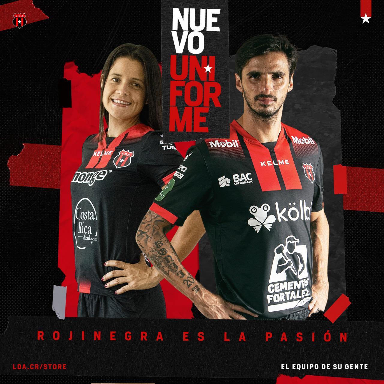 Alajuelense presentó su nueva armadura para la temporada 2020-2021.