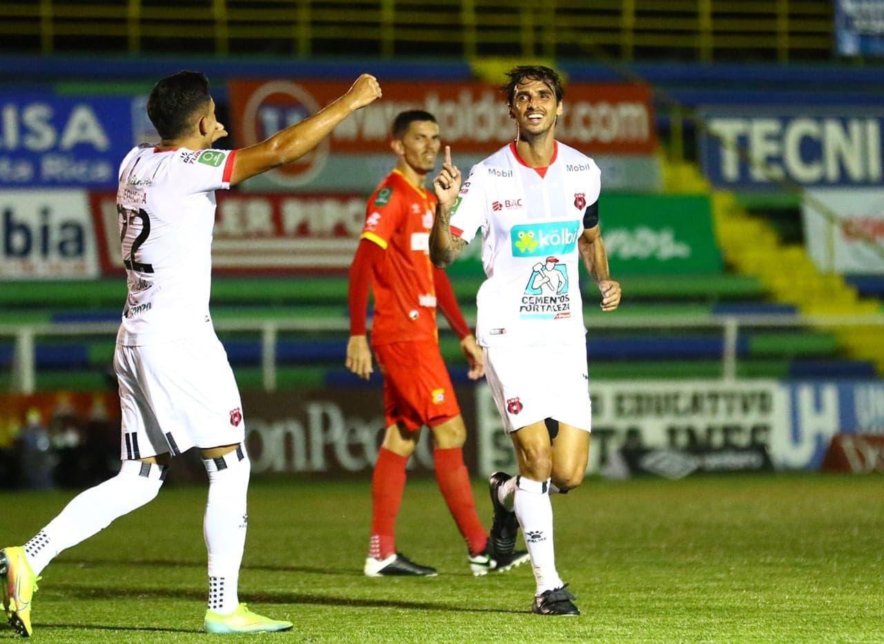 """Alajuelense consiguió una balsámica victoria ante Herediano en el """"Cuty"""" Monge."""