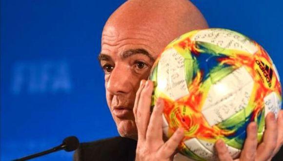 Gianni Infantino no dejará presidencia de la FIFA pese a investigación.