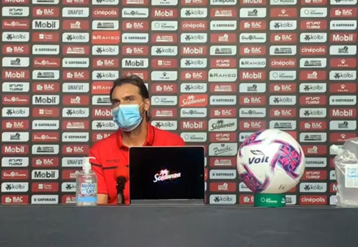 """Andrés Carevic: """"Lo importante es ganar y seguir por esa línea de trabajo sin tirar las campanas al vuelo""""."""