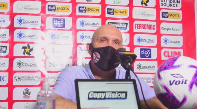"""Luis Marín: """"Somos un equipo que perdona, perdona y perdona, nos falta el punch""""."""
