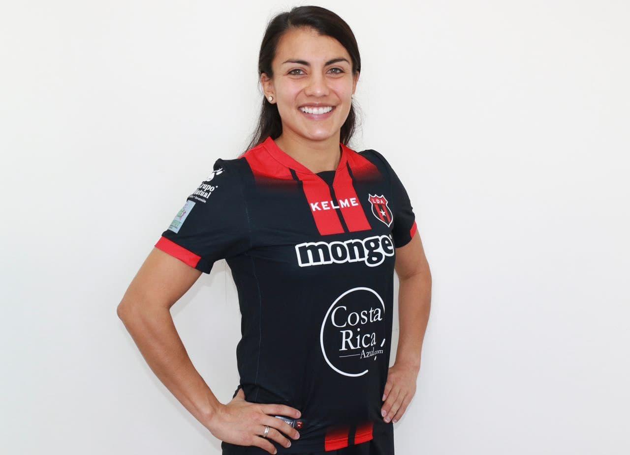 """Gabriela Guillén: """"Estoy feliz de estar aquí en Liga Deportiva Alajuelense""""."""