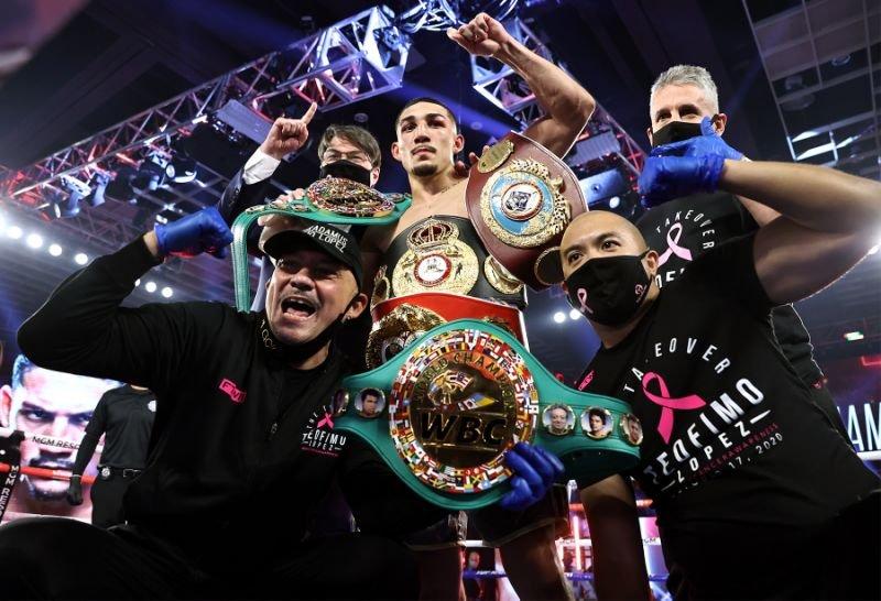 Sorpresa en Las Vegas: Hondureño Teófimo López venció a Lomachenko y es el nuevo campeón unificado de peso ligero.