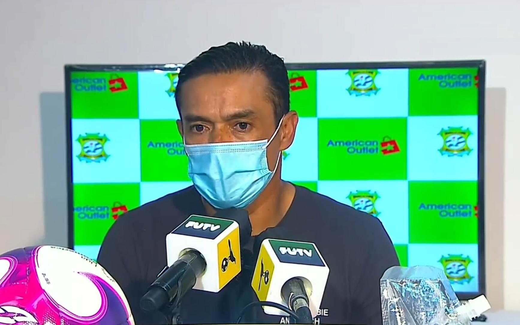 """Walter Centeno: """"Le dije a los muchachos que no podemos perder 3 partidos en el campeonato si queremos ser campeones y ya cumplimos la cuota""""."""