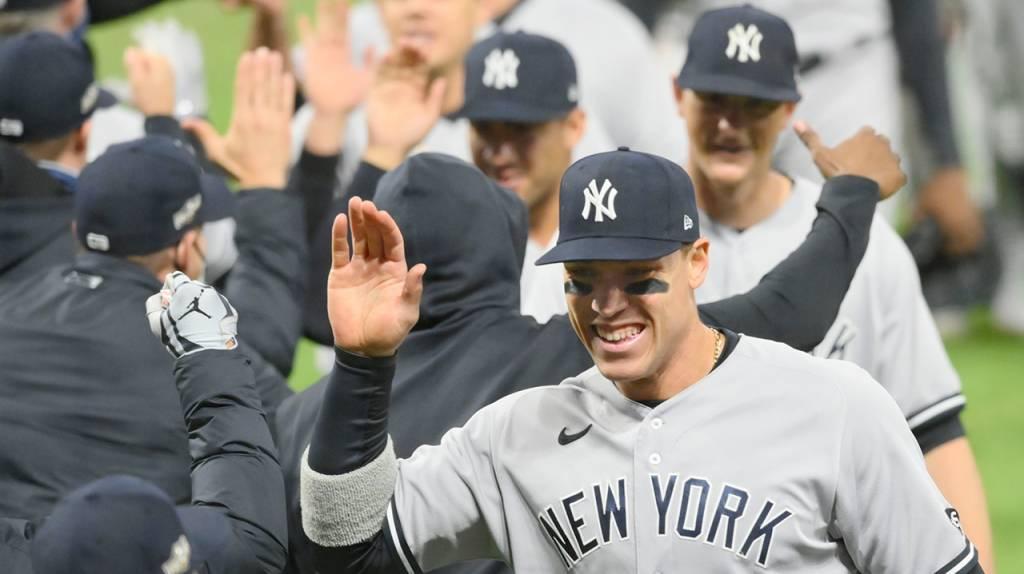 Yankees, Astros y Rays avanzan a Series Divisionales en Grandes Ligas.
