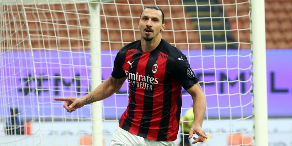 Con doblete de Ibrahimovic, el Milan derrotó al Inter y sigue de líder en Italia.