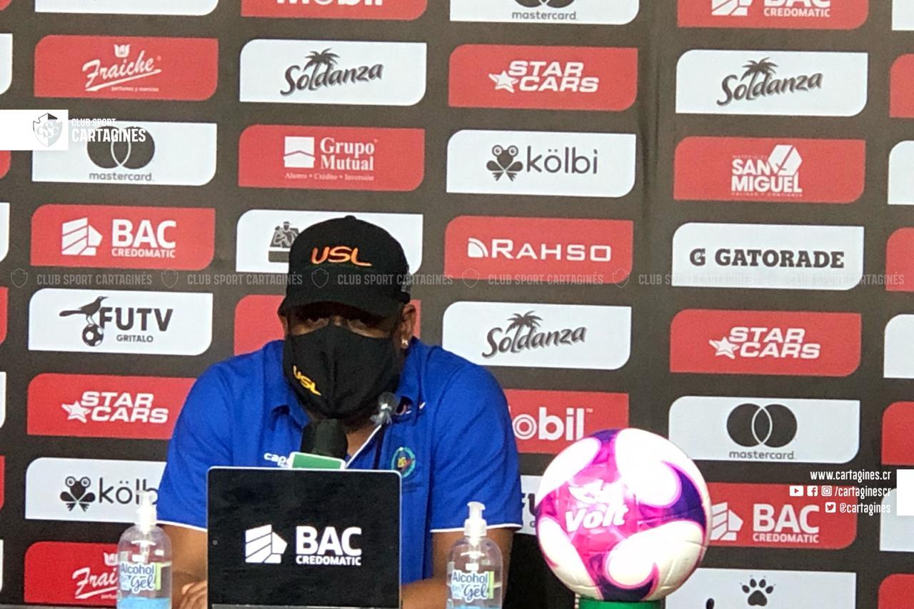 """Hernán Medford: """"No porque hoy nos metieron cuatro no vamos a poder ser campeones""""."""