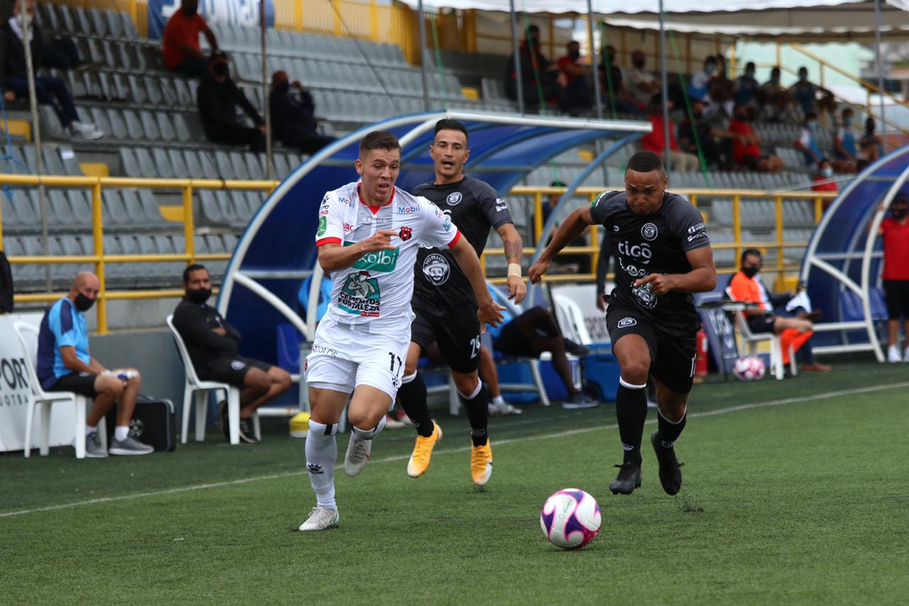 Alajuelense recuperó a todo su plantel para enfrentar a Sporting FC este lunes.