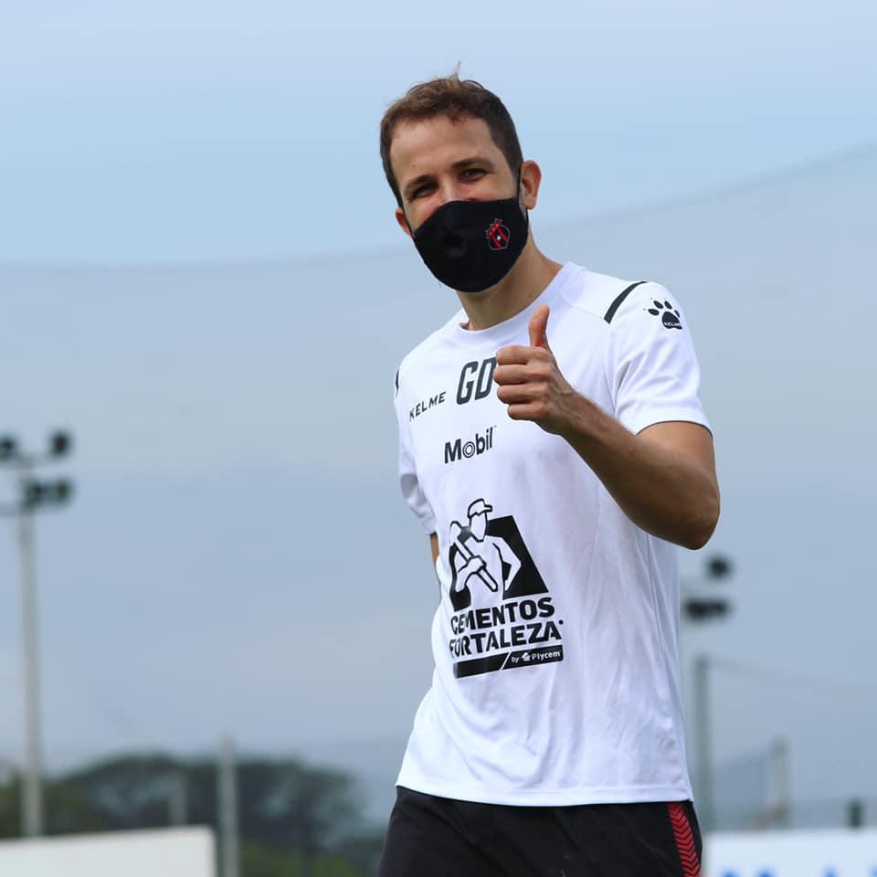 Alajuelense ofreció disculpas a su afición tras el fracaso en el Clausura 2021.