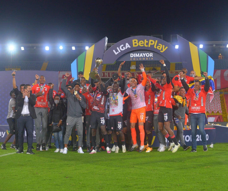 América de Cali se coronó bicampeón del fútbol colombiano.