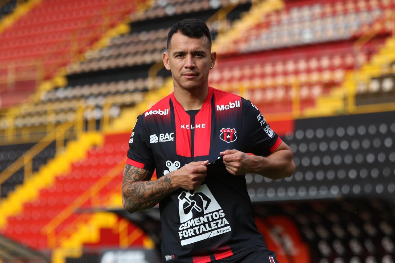 Alajuelense anunció al defensa mexicano, Daniel Arreola, como nuevo refuerzo por los próximos 2 torneos cortos.