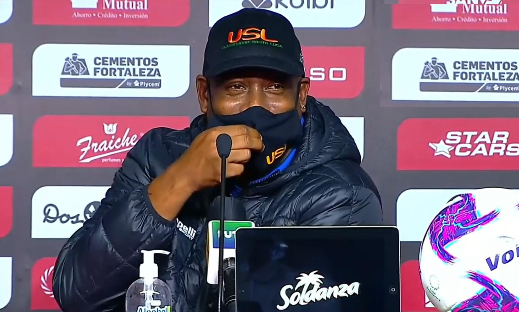"""Hernán Medford: """"Felicito a Alajuelense, ellos no tienen nada que ver con lo que pasó""""."""