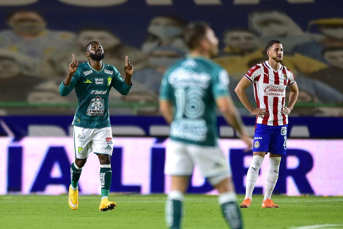 Con gol de Joel Campbell, León venció a Chivas y avanzó a la final del Guard1anes 2020.