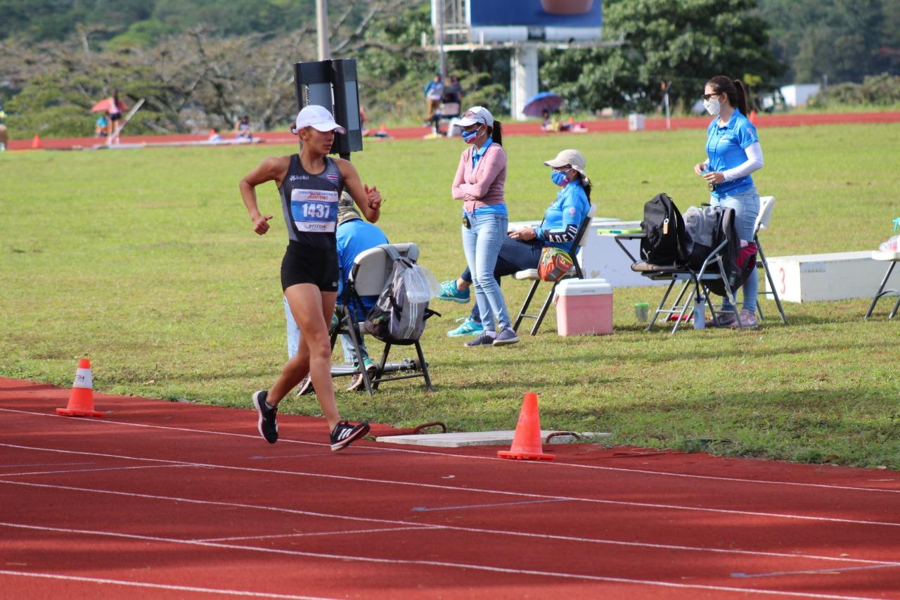Noelia Vargas impone nuevo récord nacional en los 10 mil metros marcha y se mete en el Top 10 del mundo.