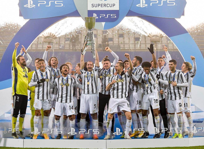 Juventus superó al Nápoles y se coronó campeón de la Supercopa de Italia.