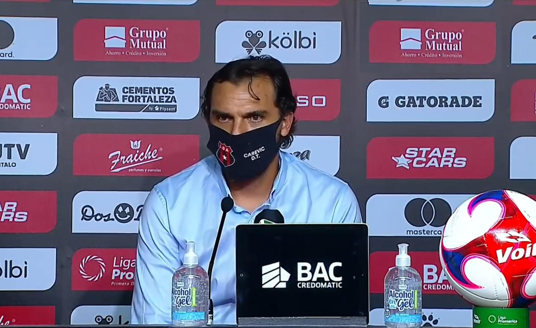 """Andrés Carevic: """"No por tener un gran plantel vamos a ganar los partidos, hay que respetar al rival y hay que trabajar muy duro""""."""