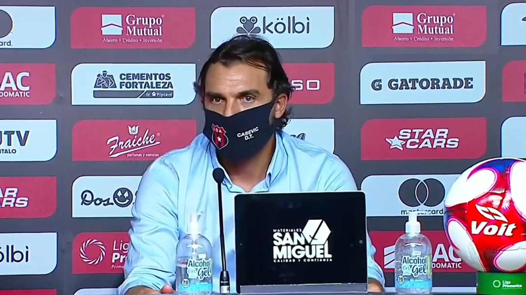 """Andrés Carevic: """"Al haber tenido tan poco tiempo y jugar tantos partidos seguidos es algo lógico que el equipo lo resienta""""."""