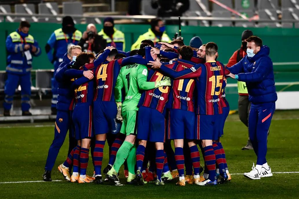 Barcelona clasificó a la final de la Supercopa de España tras vencer por penales a Real Sociedad.