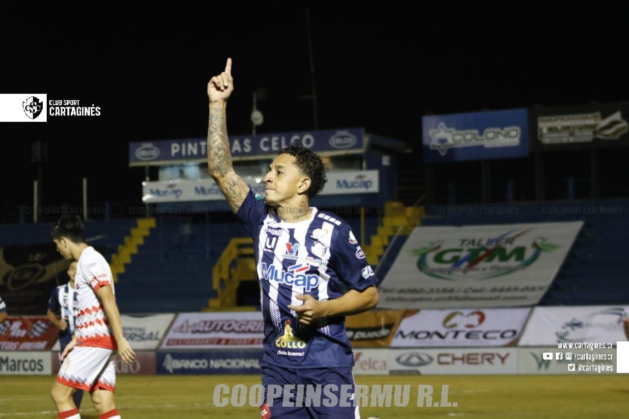 """Cartaginés aprovechó un arranque vertiginoso de partido y venció en el """"Fello"""" Meza a un voluntarioso Santos."""