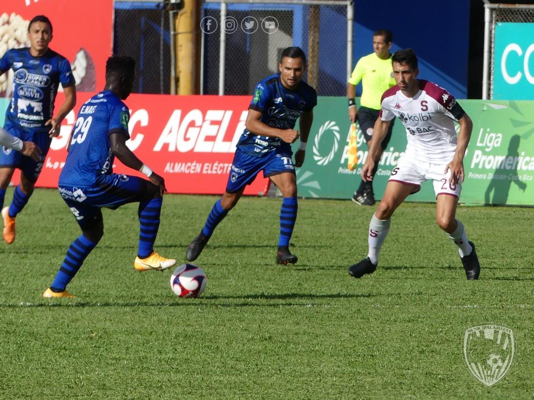 Grecia y Saprissa no se sacaron diferencia y empataron sin goles en el Allen Riggioni.